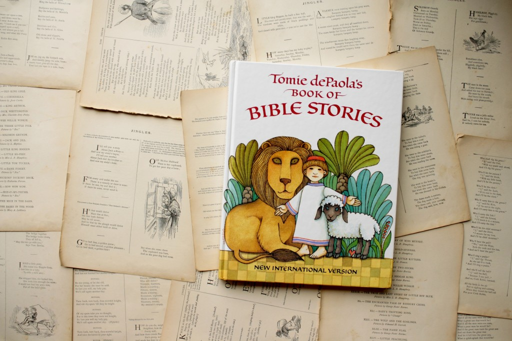 Tomie dePaola's Book of Bible Stories | Little Book, Big Story