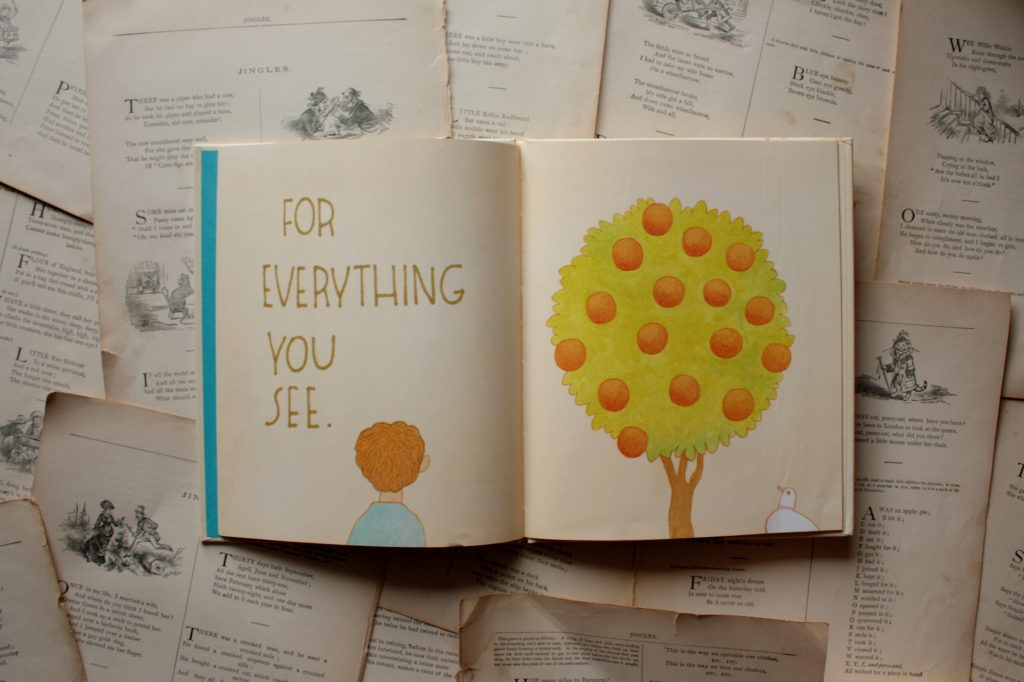 Look and Be Grateful, by Tomie dePaola | Little Book, Big Story