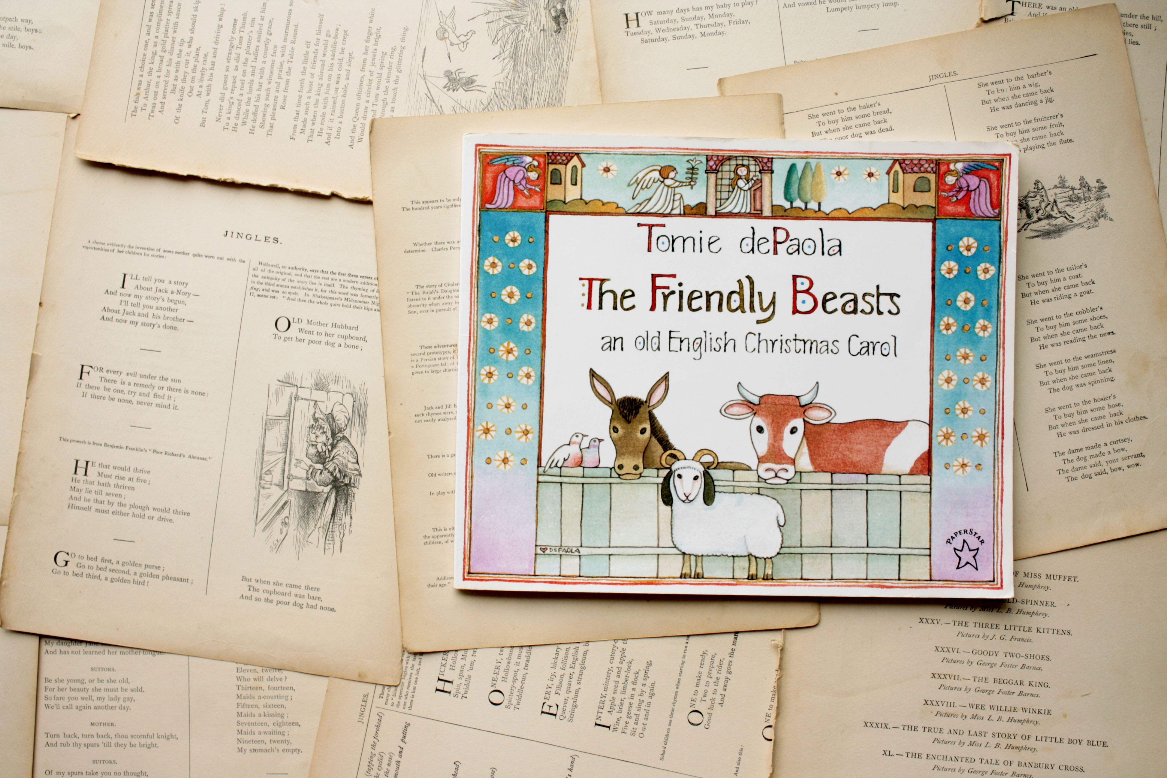 The Friendly Beasts | Tomie dePaola